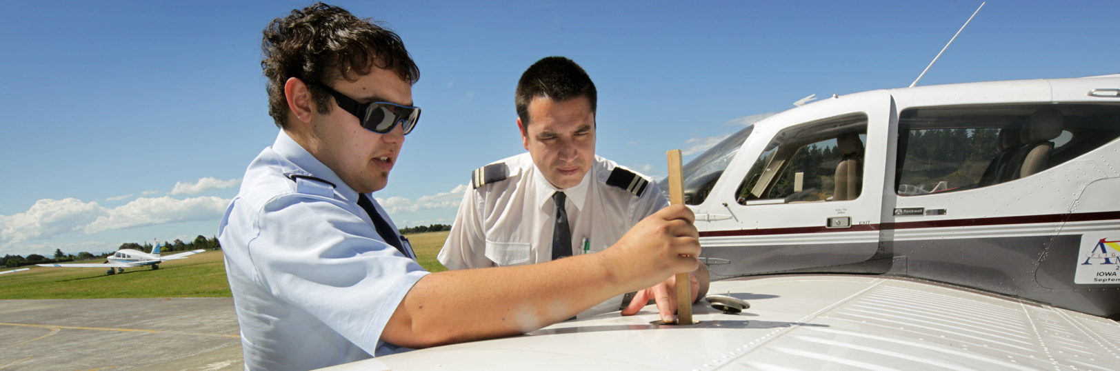 Pilot Training, checking fuel levels
