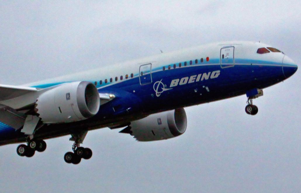 boeing_787_first_flight-crop